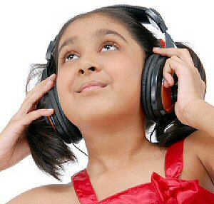 photo of girl wearing headphones, image 3